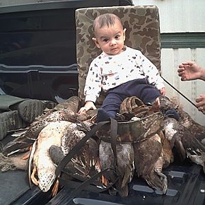 IMG0067_caelan_and_ducks.jpg